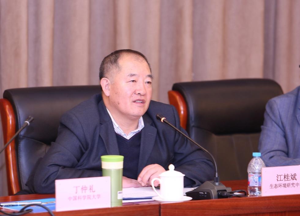 中国科学院大学环保技术联盟理事长、中国科学院生态环境研究中心主任兼国科大资源与环境学院院长江桂斌院士致辞